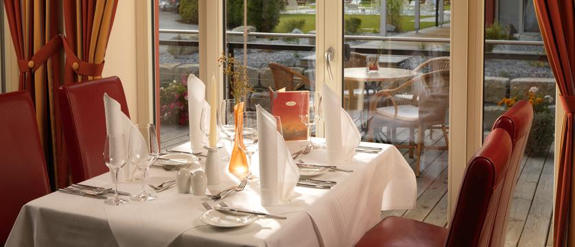 Das Hotel Eden, Seefeld, Austria - restaurant interior.jpg
